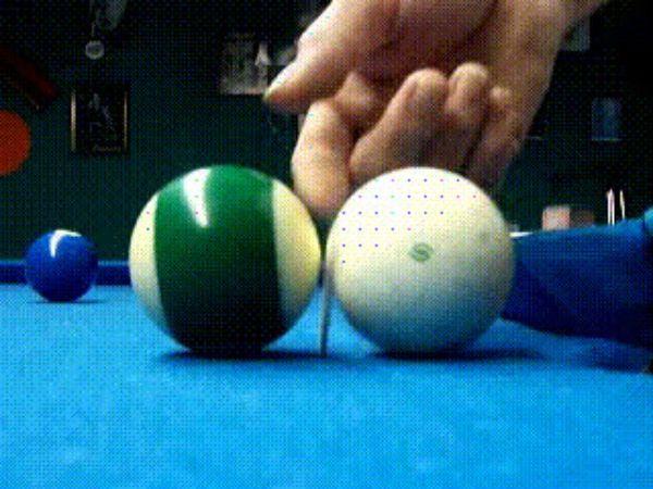 Анимация столкновение двух шаров