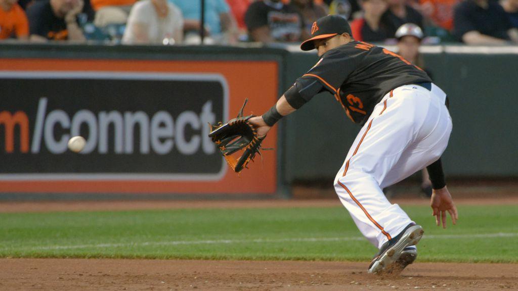Manny Machado hits two-run walk-off homer in 13th, O's win ...