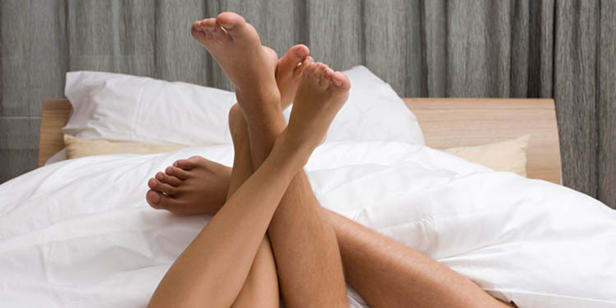 Целует ноги жене, Муж целует ноги жене - сборник красивых стихов в Доме 14 фотография