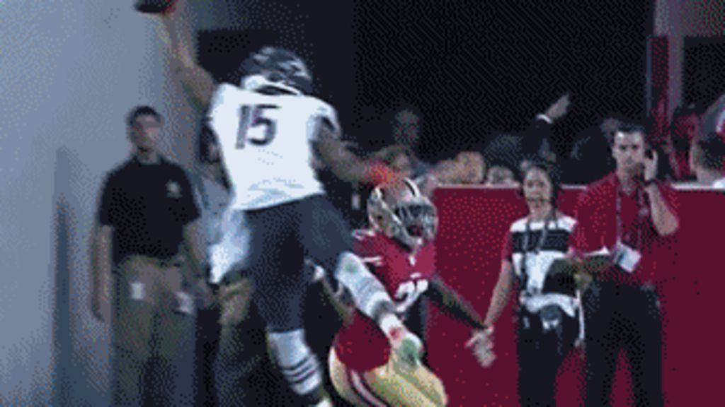 how to catch a football with one hand