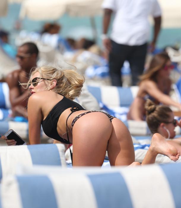 male naked kissing women porn