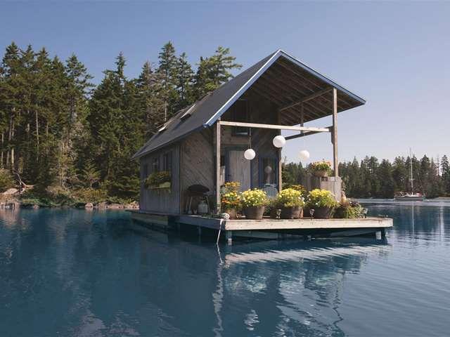 Stupendous Cute Little Houses Youd Surprisingly Pick Over A Mansion Largest Home Design Picture Inspirations Pitcheantrous