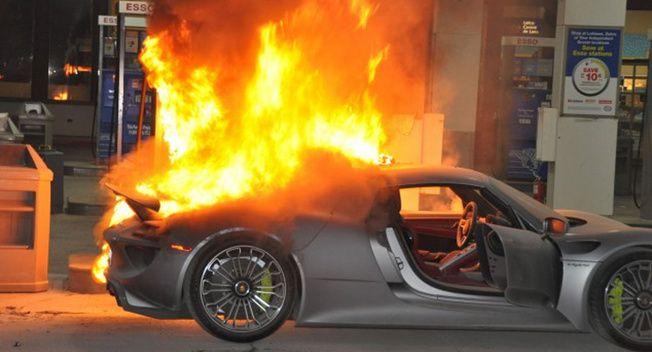 Porsche 918 Spyder Catches Fire At Gas Station Video