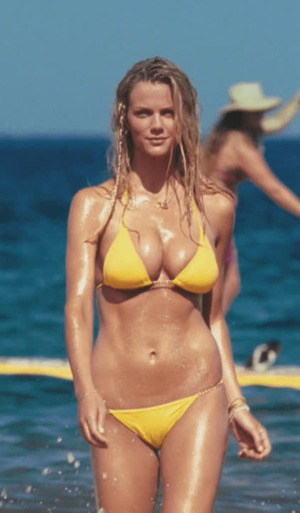 Image Result For Cindy Crawford Swimsuit Pics