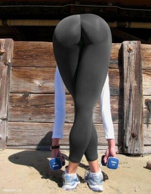 26 Photos Which Prove Yoga Pants Are Always The Best Pants.