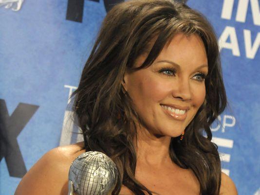 Real Estate Jim Skrip : Vanessa williams engaged as celebrity divorces shock and