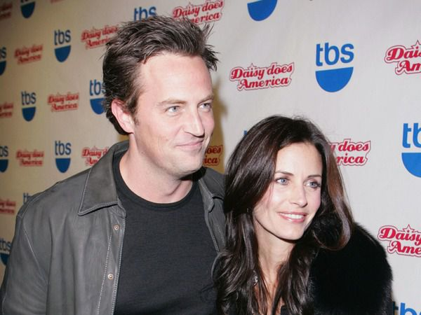 If 'Friends' Stars Courteney Cox & Matthew Perry Are ...